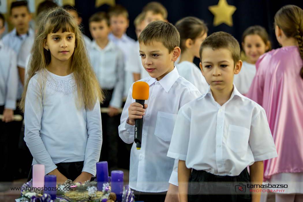 Adventi_gyertyagyujtas_2018 012